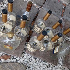 12 Empty Assorted Bottles for Sale in Miami Gardens, FL