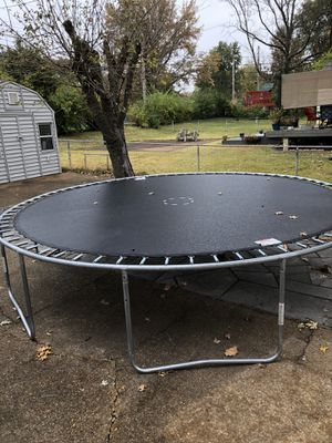 14 ft Bounce pro trampoline safety net hasn't been assembled still new for Sale in St. Louis, MO
