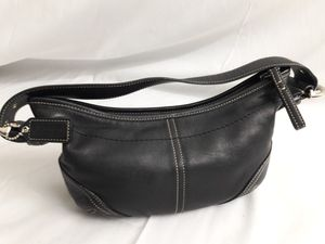 BLACK LEATHER COACH PURSE LIKE NEW CONDITION for Sale in Victorville, CA