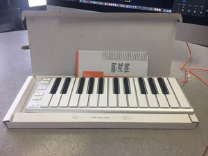 CME Xkey 25 MIDI Mobile Keyboard for Sale in Los Angeles, CA