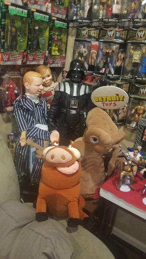 Vintage ET- Pumba- Darth Vader- Vantrilliquest Dolls for Sale in Hazel Park, MI