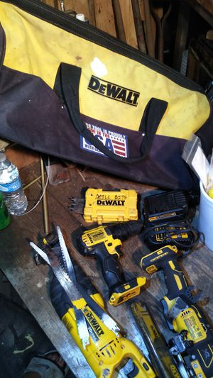 DeWalt 3 tool bundle with battery and charger and extra large carry bag for Sale in Evansville, IN