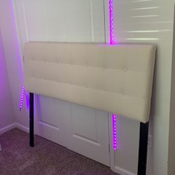 Bed Frame And Tv Stand for Sale in Del Valle,  TX