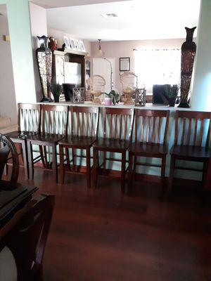 Dinning table and chairs for Sale in Hemet, CA