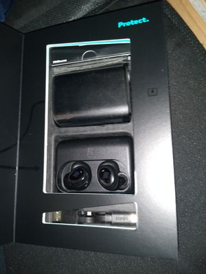Wireless Bluetooth earbuds the dash bragi for Sale in Los Angeles, CA