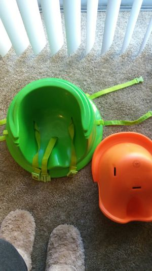Baby booster seat for Sale in Cleveland, OH