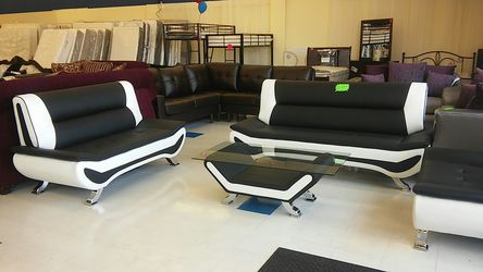 Black and White sofa and loveseat for Sale in Sandy,  UT