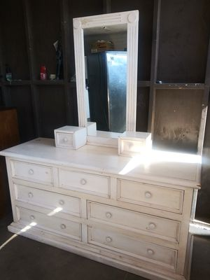 Shabby chic dresser for Sale in Phoenix, AZ