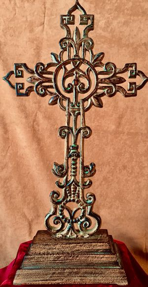 Large massive cast iron Cross H21xW12xD5 inch for Sale in Sun Lakes, AZ