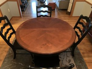 Broyhill dining table and buffet wine hutch. for Sale in Overland Park, KS