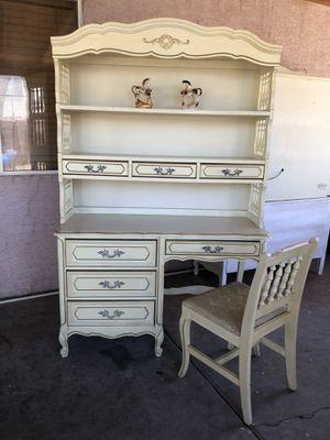 Vintage dresser set! for Sale in El Mirage, AZ