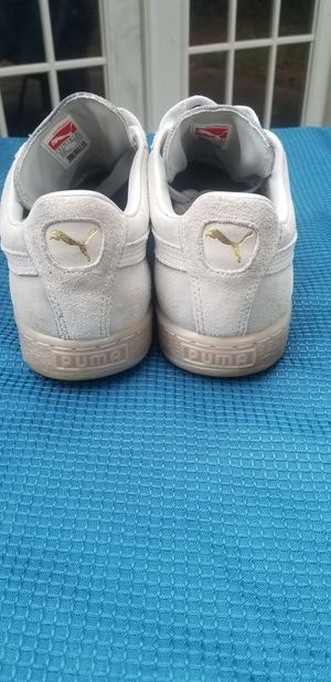 8 1/2 ICE Puma Sneakers (Suede) for Sale in Riverdale, GA