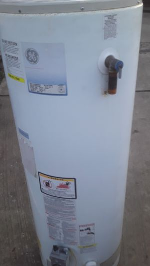 Used hot water heater for Sale in Arlington, TX