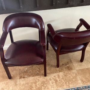 2 Chairs for Sale in Laguna Hills, CA