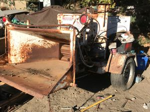 Wood chipper BRUSH BANDIT 250 Diesel tree chipper , only 632 hours! Dual hydraulic infeeds for Sale in Los Angeles, CA