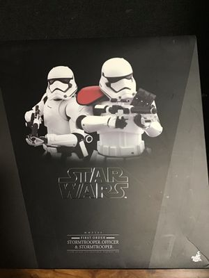 Stormtrooper officer & stormtrooper collectible statue for Sale in San Leandro, CA