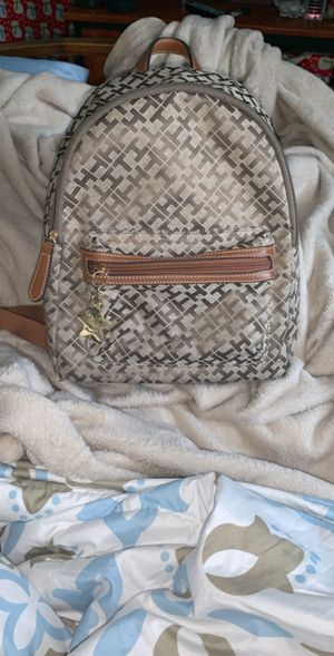 Tommy Hilfiger backpack/purse for Sale in Pawtucket, RI