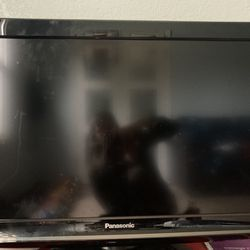 32 in Panasonic Tv for Sale in Tigard,  OR