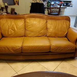 Free Family Room Leather Set for Sale in Hialeah, FL