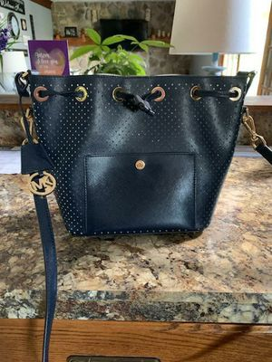 Michael Kors authentic for Sale in Painesville, OH