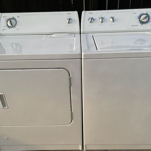 Washer And Gas Dryer ( Whirlpools) for Sale in Lake Elsinore, CA