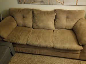 Excellent condition couch, must pick up. for Sale in San Diego, CA