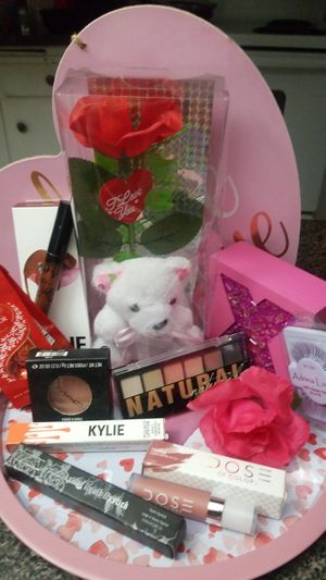 Valentine's Makeup Gift Set! for Sale in Las Vegas, NV