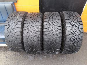 3157017lt used tires Goodyear duratrack for Sale in Aurora, IL