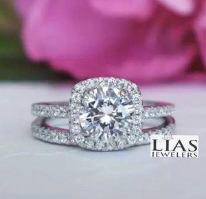 New 18 k white gold wedding ring set for Sale in Orlando, FL