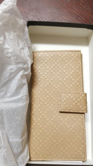 Gucci womens wallet for Sale in Santa Ana, CA