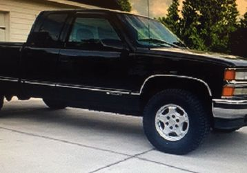 Silverado Black for Sale in Springfield,  IL