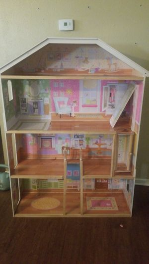 Doll house need gone for Sale in Grand Prairie, TX