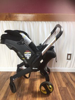 Doona car seat/stroller for Sale in Spartanburg, SC