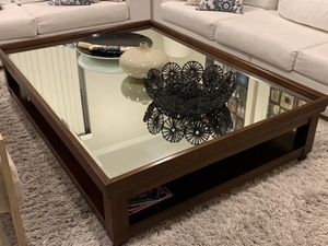 Coffee Table with mirror for Sale in Weston, FL
