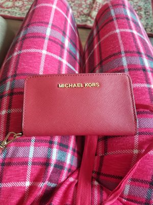 Small Michael Kors Red Wallet Wristlet for Sale in Los Angeles, CA