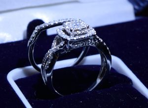 Beautiful Engagement Ring with wedding band for Sale in Long Beach, CA