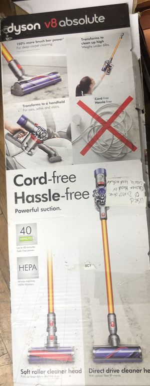 Dyson V8 Absolute cordless vacuum for Sale in The Bronx, NY
