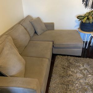 Grey Small Sectional Sofa for Sale in Los Angeles, CA