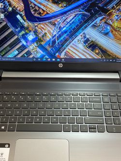"15.6"" HP Touch Screen Laptop Intel Core i3 2.2 Ghz, 8gb, SSD, Windows 10, Office for Sale in Hillsboro,  OR"