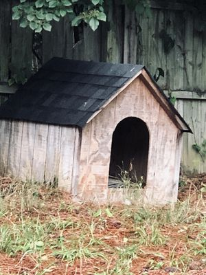 Dog house for Sale in Snellville, GA