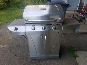 Bbq grill...Free for Sale in Bremerton, WA