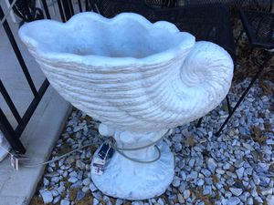 Concrete planter for Sale in Fort Washington, MD