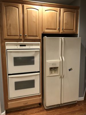 Appliances Whirlpool double oven, fridge and microwave for Sale in Gaithersburg, MD