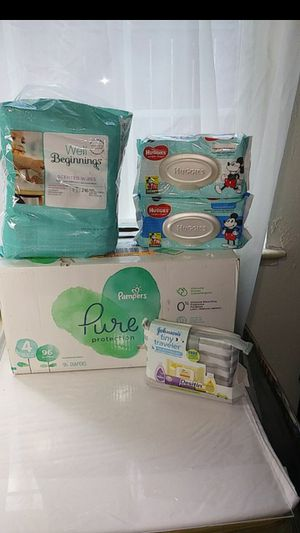 96 Size 4 Pampers +350 Wipes & Tiny Traveler for Sale in Denver, CO