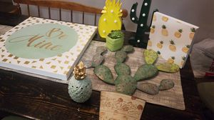Cactus and pineapple bedrooms decor for Sale in Painesville, OH