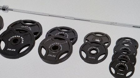 300 lb Olympic Weight Set / Weight Plates for Sale in Santa Ana,  CA