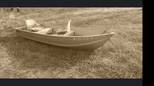 12' aluminum boat for Sale in Farmington, MO