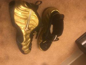 Gold foamposite pro for Sale in Arlington, VA