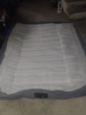 Queen pillow top air mattress built in pump for Sale in East Norriton, PA