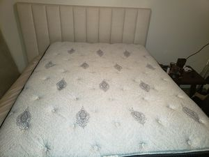 Queen beautyrest mattress with box spring and bed rails for Sale in Plattsburgh, NY